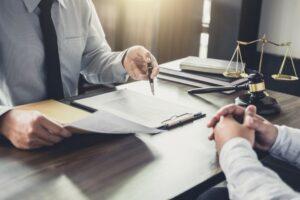 עורך דין תאונות דרכים שמגן על האינטרסים שלך
