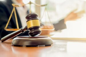 עורך דין לענייני תאונות דרכים שמגן עליך מול חברות הביטוח